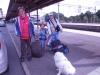 Jakob, Balder, Willy och Veronica ska resa med tåget.