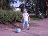 Noel koncentrerar sig på bollträffen.